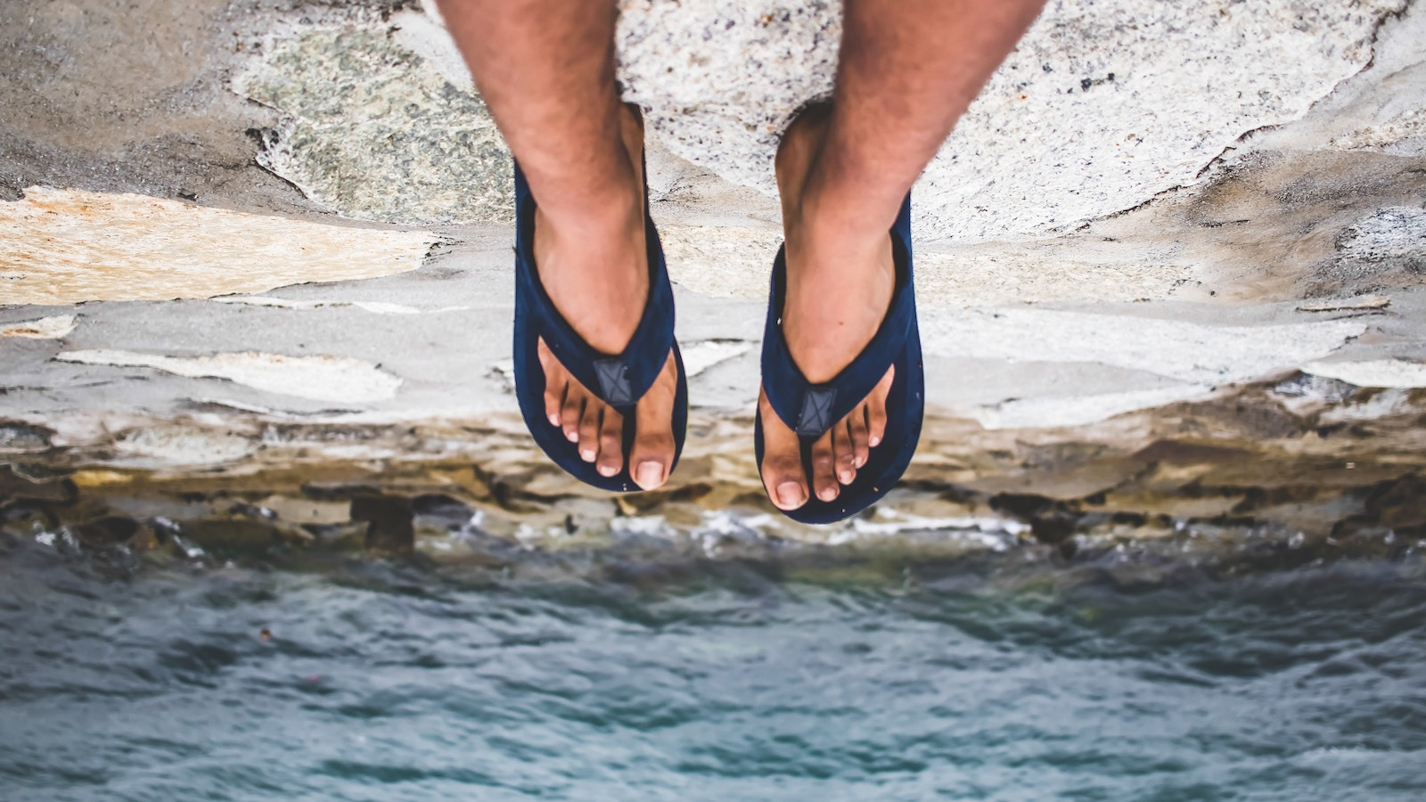 10 Best Men's Leather Flip Flops (Sandals)