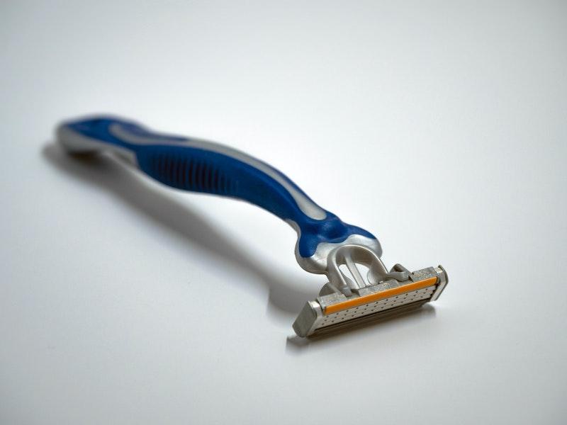 A blue razor